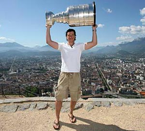 Cristobal Huet with the Stanley Cup in France for the first time at la Bastille in Grenoble