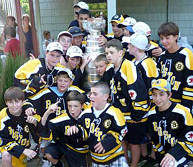 Geoff Ward's son's hockey team getting up close to the Stanley Cup