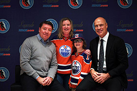 2017 Legends Classic Captains Jari Kurri and Mark Messier pose with fans