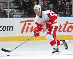As a member of the Detroit Red Wings, Chelios would add two more Stanley Cup titles to his resume.