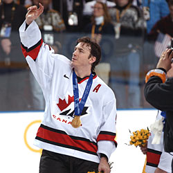 On the international stage Sakic helped Canada capture gold at the 2002 Olympic Winter Games held in Salt Lake City, Utah.
