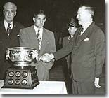 Elmer Lach receives the Art Ross
