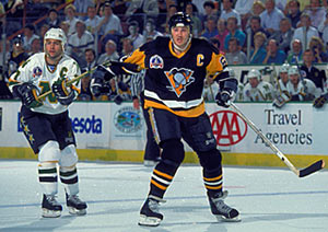 Minnesotas Neal Broten And Pittsburghs Mario Lemieux During Game 4 Of The Stanley Cup Final On May 21 1991 At Met Center In Bloomington Minnesota
