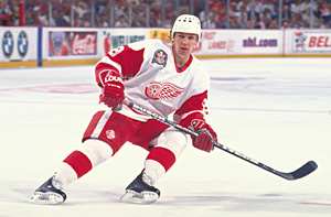 Russian star Igor Larionov was the first player captain Steve Yzerman  handed the Stanley Cup to in 1997. (David E. Klutho Hockey Hall of Fame) 198b411d8
