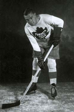 Charlie Conacher led the Toronto Maple Leafs to the 1932 Stanley Cup title.