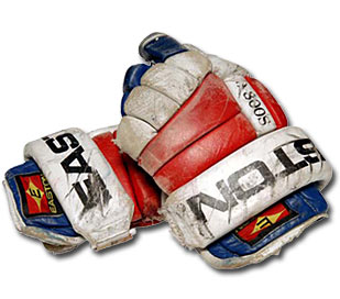 Gloves worn by New York Ranger Brian Leetch (1991-92  to 1997-98)